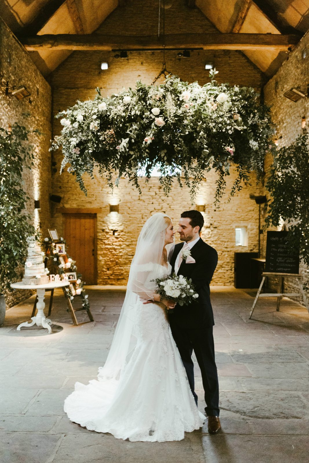 cripps-barn-wedding-venue-country-photography-photographer-uk-florals-florist-spring