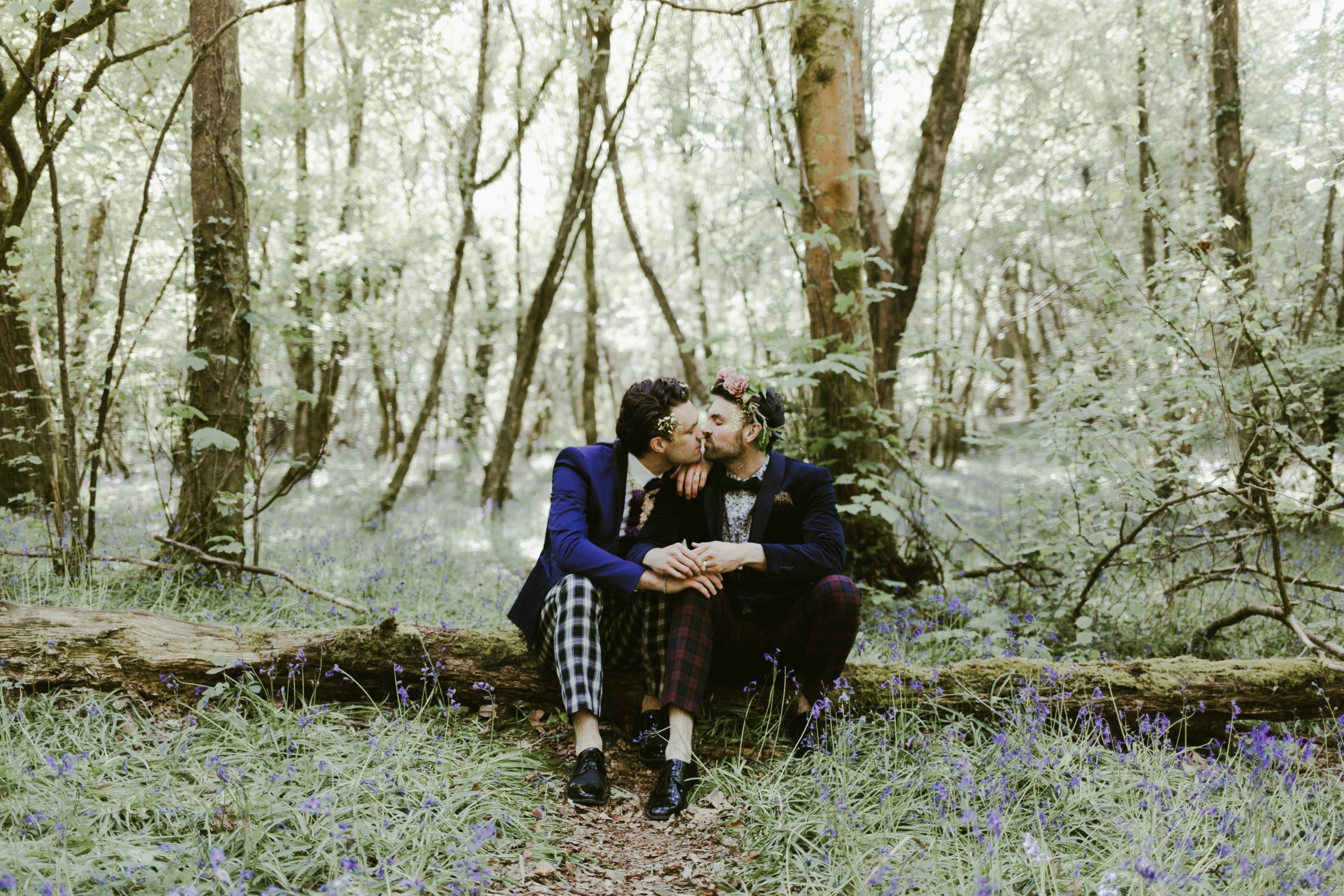 wildflower-elopment-LGBT-gay-wedding-woodland-celebration-love