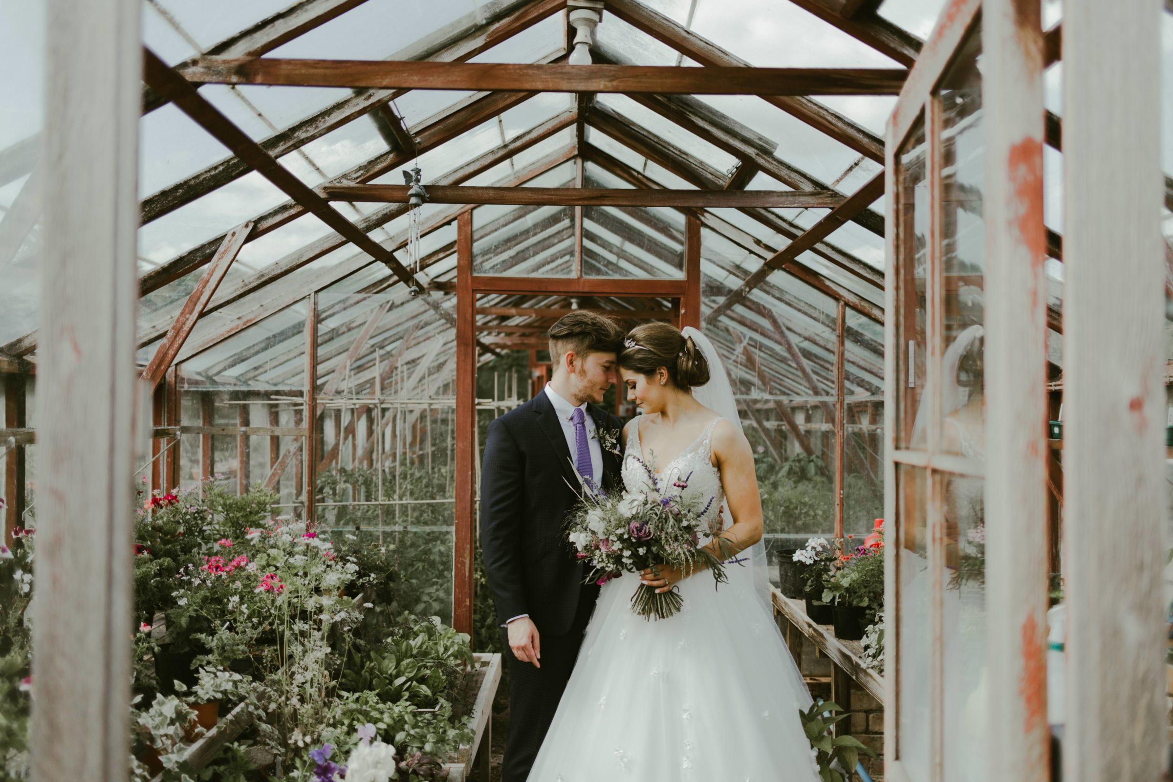 birtsmorton-court-wedding-venue-malvern-uk-photography-photographer-couple-summer