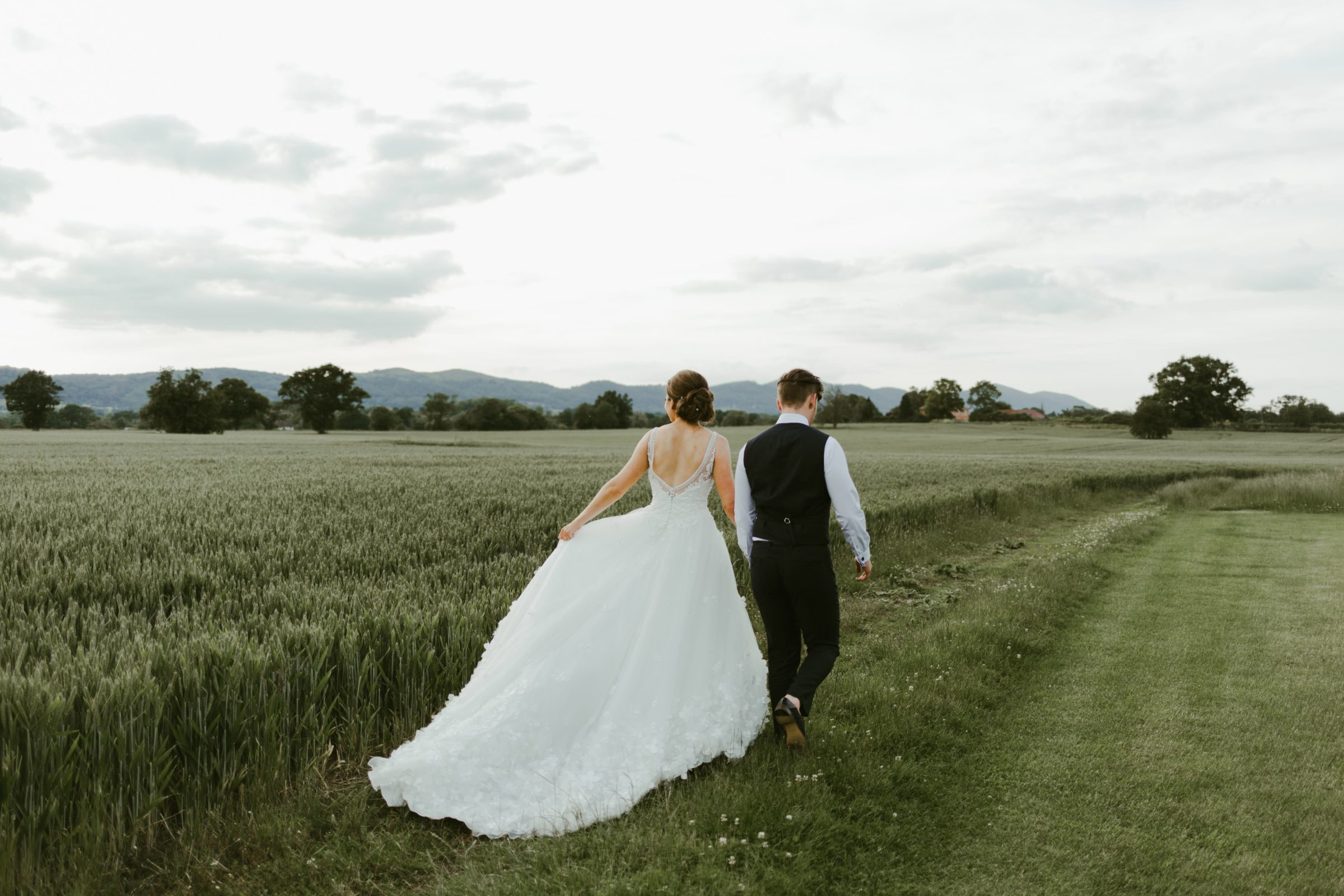 birtsmorton-court-wedding-venue-malvern-uk-photography-photographer-couple