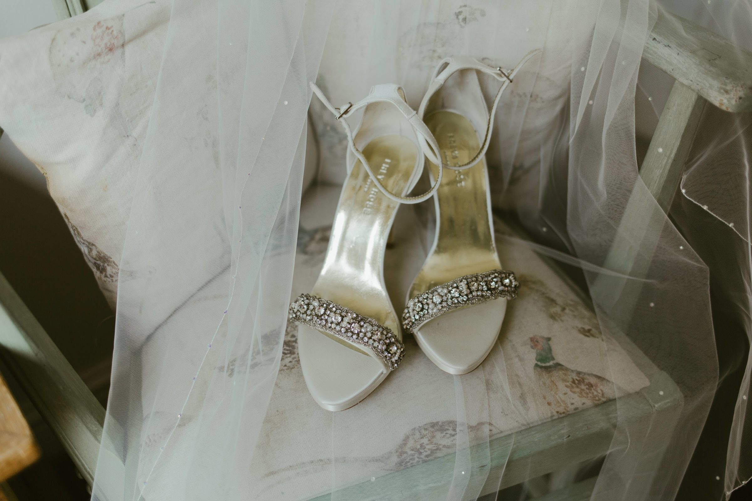 wedding-shoes-photography-details