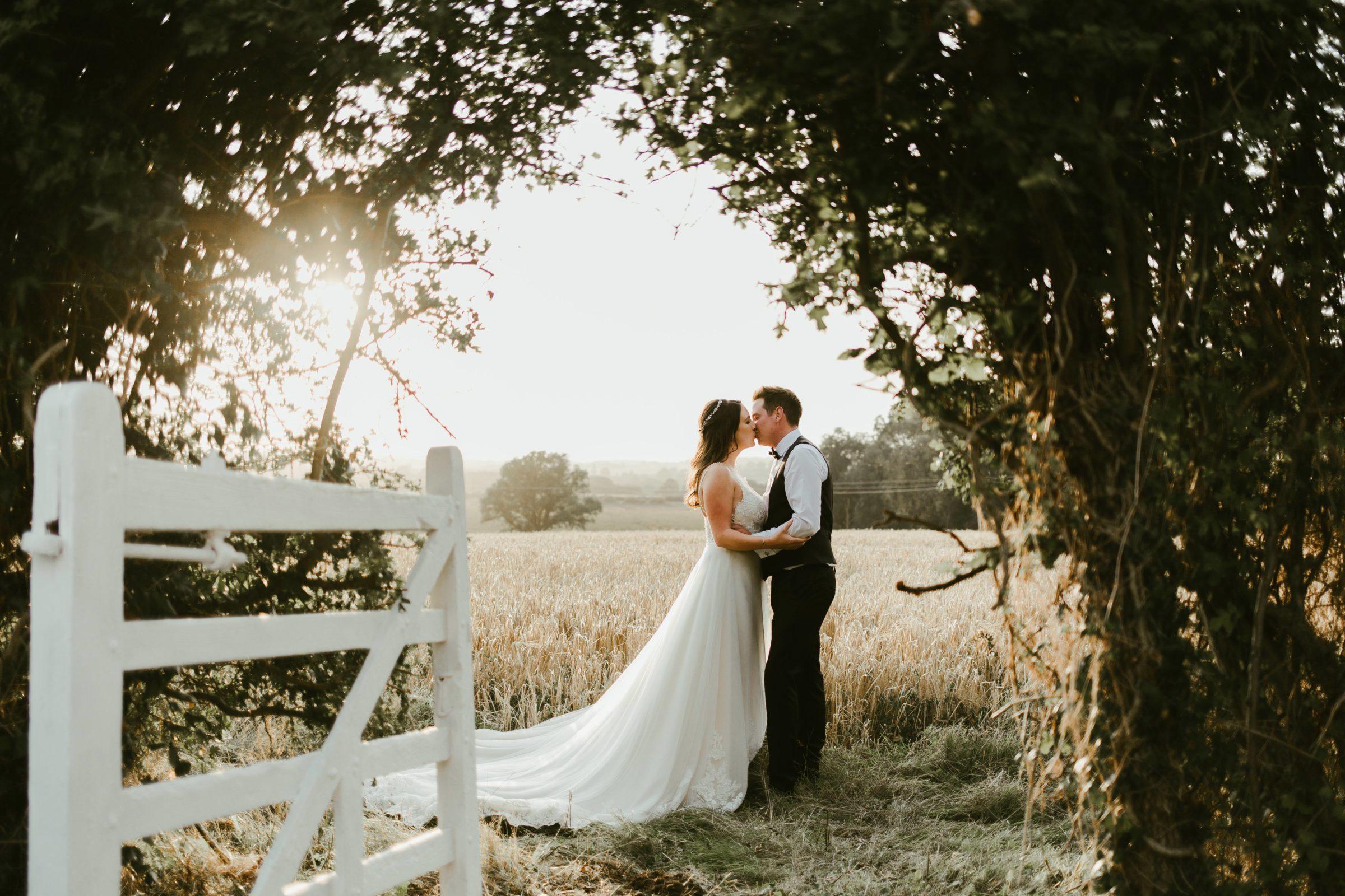 romantic-wedding-photography-photographer-uk-golden-hour-couple