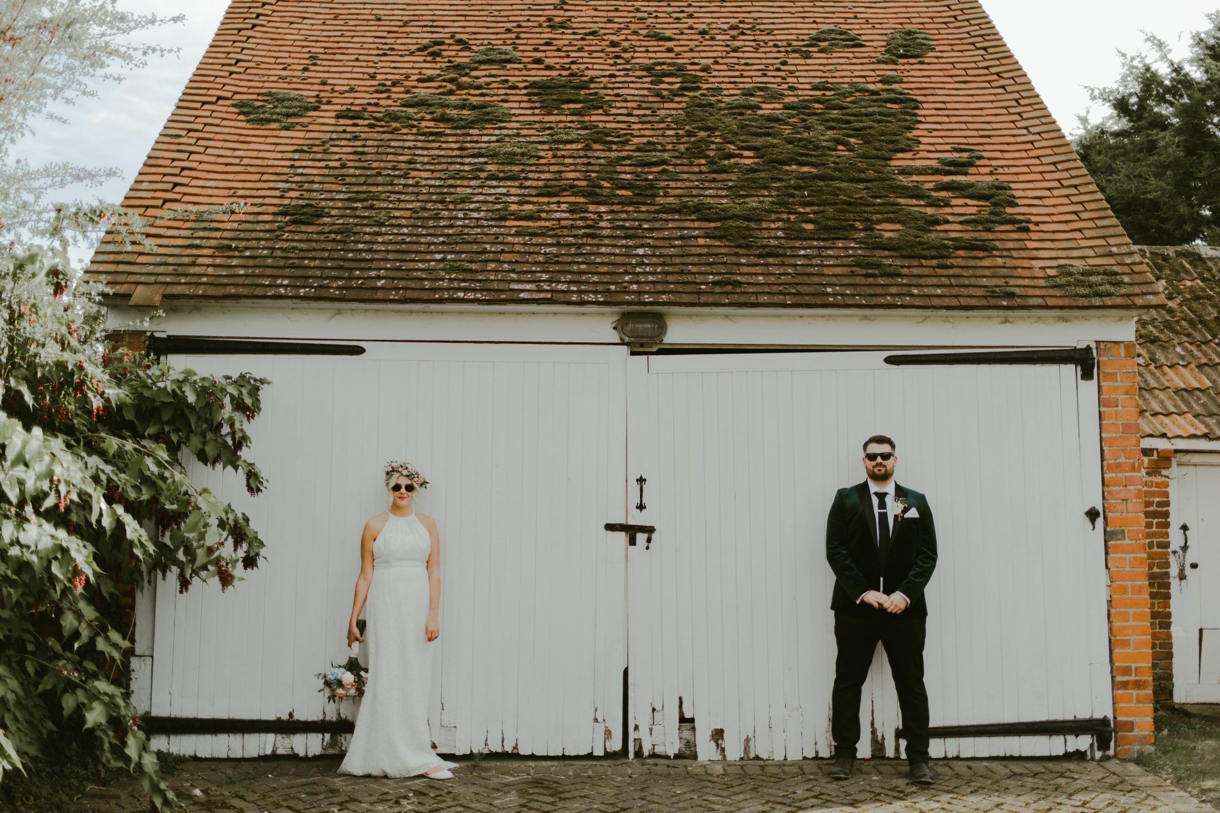 lillibrooke-manor-wedding-venue-photography-surrey-photographer-alternative-quirky