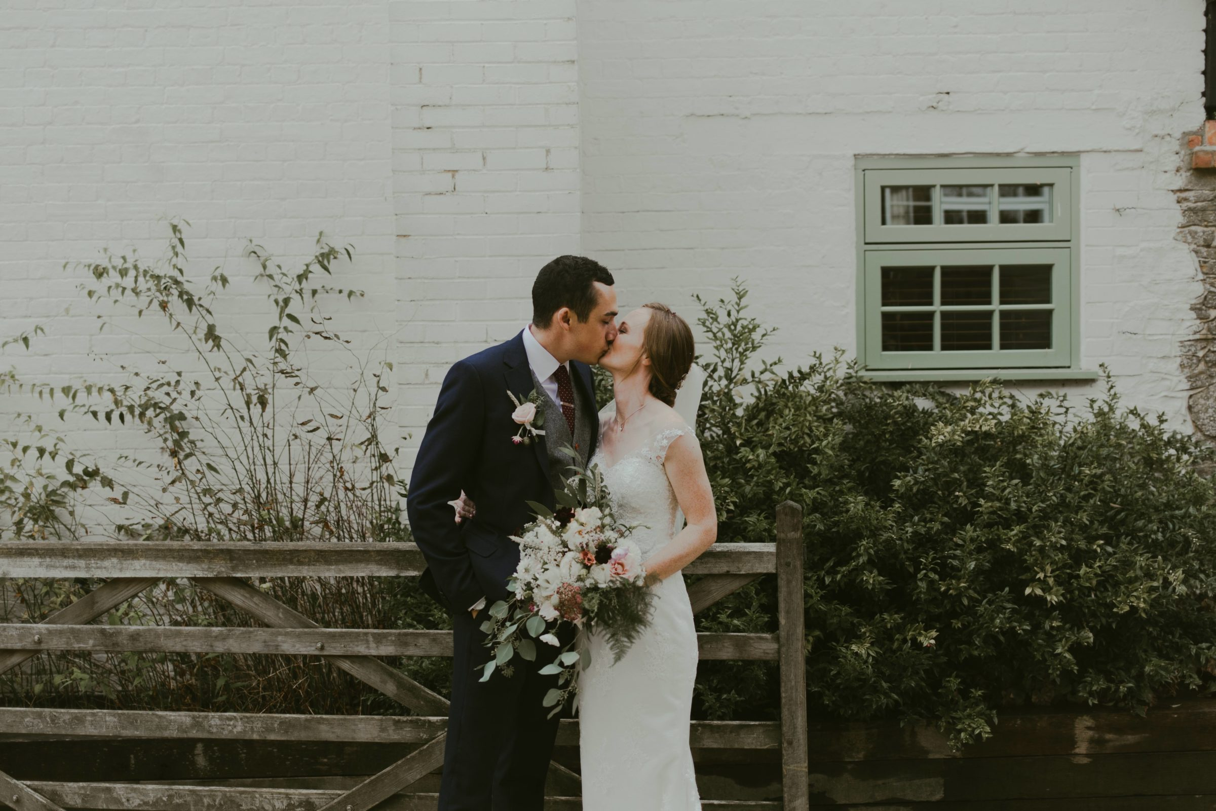 gate-street-barn-wedding-photography-surrey-photographer