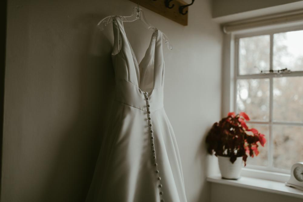 farnham castle wedding details bridal prep the gatehouse