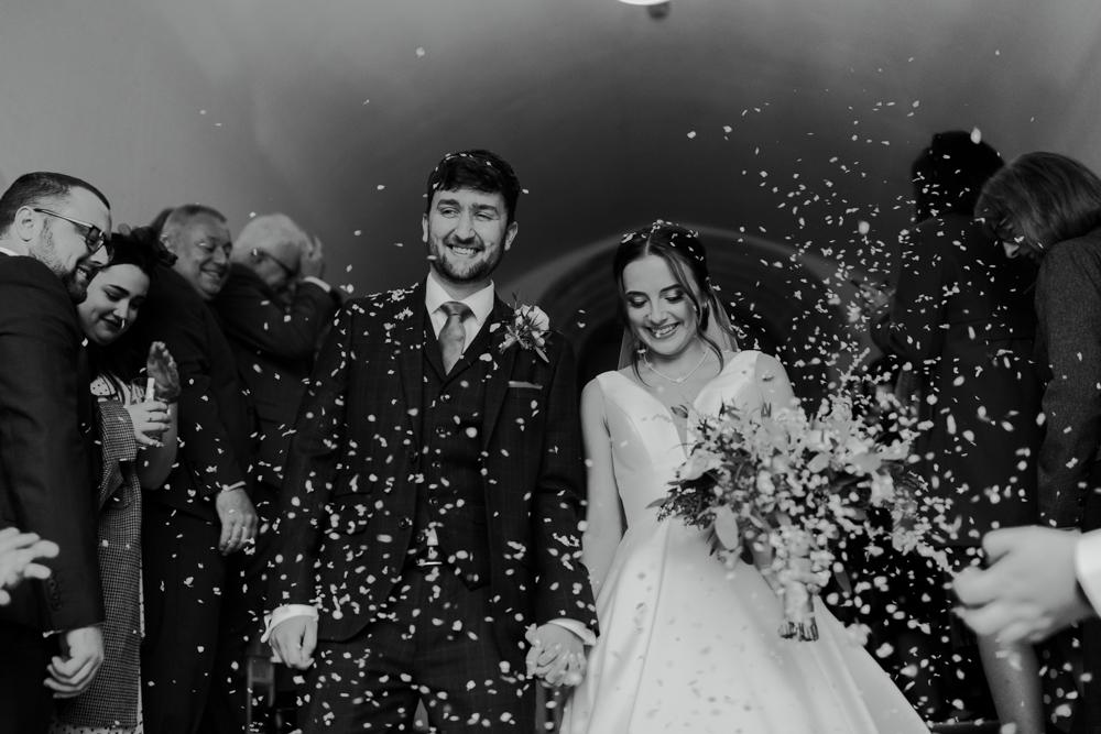 farnham castle wedding confetti shot